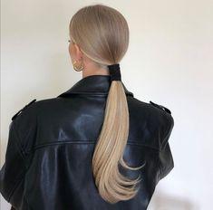 Hair Inspo, Hair Inspiration, Brown Blonde Hair, Blonde Straight Hair, Blonde Honey, Aesthetic Hair, Blonde Aesthetic, Grunge Hair, Dream Hair