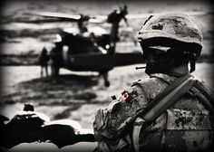 Really debating on being in the Aboriginal Canadian Forces. serving my country doesnt seem that bad. I know my parents will be proud if i do. Pictures Of Soldiers, Naval Special Warfare, Army Gears, Son Love, Military Life, Special Forces, Troops, Badass, History