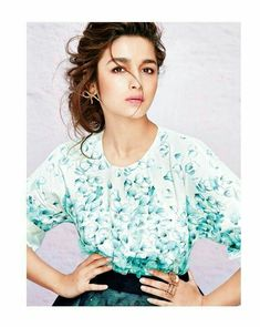 Cany Crush Alia Bhatt photoshoot for Grazia Magazine April 2015 issue. She is looking pretty and fabulous in this photoshoot. Have a look. Mode Bollywood, Bollywood Stars, Bollywood Fashion, Bollywood News, Beautiful Bollywood Actress, Beautiful Actresses, Beautiful Celebrities, Beautiful Women, Indian Celebrities