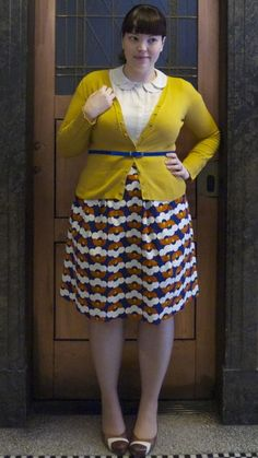 Little retro style, she seems to effortlessly mix colors and patterns.