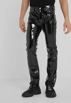 Leather Fashion, Mens Fashion, Latex Men, Cyberpunk Fashion, Stylish Mens Outfits, Versace Jeans Couture, Skin Tight, Models, Gothic Fashion