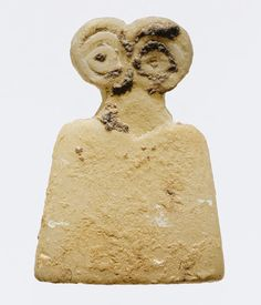 Idol with eyes, late 4th mill. BCE. Similar idols, sometimes with mother/child or couple, found at sites such as Tell Brak (c. 3300-3000 BCE).