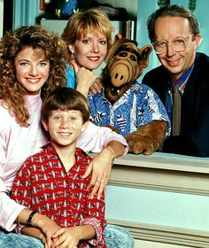 television's first Tanner family (well, at least of the two shows that I watched featuring a family of that name! I liked Lynn, loved Alf, and found Willie delightfully dorky! 80 Tv Shows, Old Shows, Mejores Series Tv, Nostalgic Images, Elvis And Priscilla, Vintage Tv, 90s Kids, Classic Tv, The Good Old Days