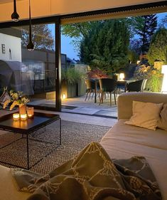 Bild von Gabriele S. Home Design, Interior Design Career, Home Interior, Best Online Furniture Stores, Affordable Furniture, Design Moderne, Deco Design, Cozy Nook, Decoration Design