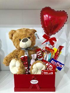Valentine Gift Baskets, Valentines Gift Box, Valentine's Day Gift Baskets, Bff Birthday Gift, Birthday Gifts For Best Friend, Valentines Day Gifts Boyfriends, Boyfriend Gifts, Candy Bouquet Diy, Teddy Day