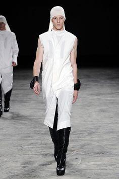 Rick Owens Spring 2011 Menswear Collection Photos - Vogue