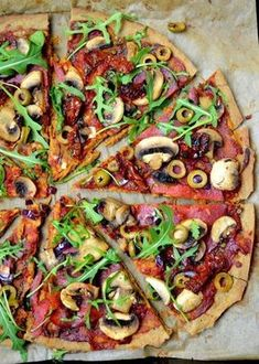 Pizza gryczana (bez glutenu i bez drożdży) - Całkiem zdrowo Vegan Lunches, Healthy Snacks, Healthy Eating, Healthy Pizza, Clean Eating, Vegetarian Recipes, Cooking Recipes, Healthy Recipes, Heath Food
