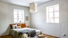 Foto: Bjurfors Gotland/SE 360, mäklare: Peter Tumegård. Bedroom, Furniture, Home Decor, Green Kitchen, Contemporary, Beams, Home, Decoration Home, Room Decor