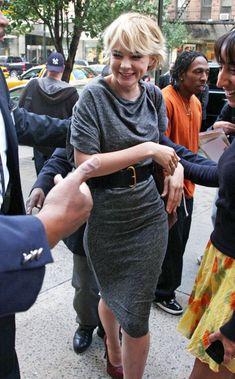 Carey Mulligan - Carey Mulligan Photos - Zimbio Carey Mulligan, Aussies, Cute Girls, Leather Skirt, Handle, Actresses, Hair Styles, Pretty, Photos