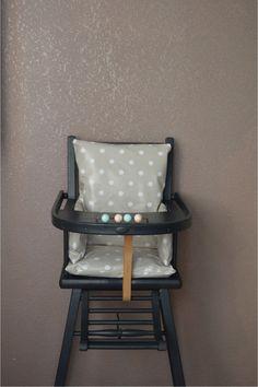 Coussin de chaise haute à pois toilée cirée taupe combelle