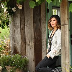 Finola Hughes is an actress, dancer, and mother of three who currently stars on General Hospital. We talked to Hughes about her fitness routines.