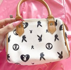 louis vuitton handbags green and red striped Luxury Purses, Luxury Bags, Cute Handbags, Purses And Handbags, Paris Hilton, Juicy Couture, Aesthetic Bags, Aesthetic Grunge, Vetement Fashion