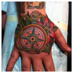 tattoo old school - traditional nautic ink - compass