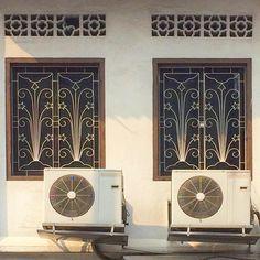 ⭐️⬆️⭐️ #architecture#architecturephotography#archilovers#singapore#shophouse#townhouse#star#doorsandwindowsoftheworld#windowlove#interiordesign#exteriordesign#exterior#oldhouse#exploresingapore#sgarchitecture#gf_singapore#cute#prettyhouse#homedecor#windowgrill#建築#家#面格子#窓#鉄格子#老屋顏#老房子#鐵花窗#鐵窗花#鐵花 Grill Gate Design, Wrought Iron, Metal Working, Tapestry, Furniture, Instagram, Home Decor, Doors, Hanging Tapestry