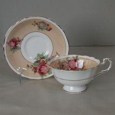 Lovely Paragon Tea Cup Saucer Set Fine Bone China Peach Pink Roses Gold Trim