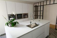 SANTOS kitchen   Diseño de cocina LINE, proyecto de Santos Estudio Avila