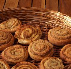 Gyerekkori kedvencem a darázsfészek! Imádom! Egyszerűen fantasztikus! Hungarian Recipes, Bakery, Bread, Dishes, Cookies, Food, Crack Crackers, Tablewares, Eten