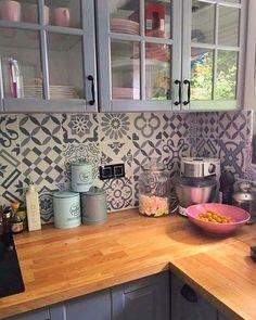 Cheap Kitchen Remodel Ideas Small Kitchen Designs On A Budget Modern Kitchen Cabinets Budget Cheap designs Ideas Kitchen Remodel small Small Kitchen Remodel Cost, Kitchen Small, Kitchen White, Kitchen Wood, Kitchen Modern, Kitchen Pantry, Granite Kitchen, Kitchen Sink, Kitchen Storage