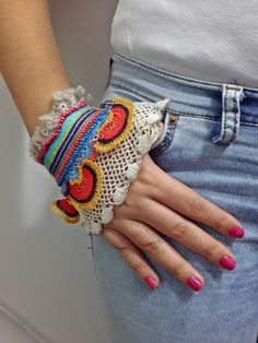 Designer item that beaded with colorful beads and crochet techinques. Stylish gift idea for yourself and your friends.    You can set size of this