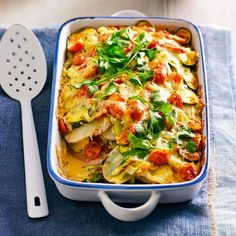 Green vegetable bake - Leave out the potatoes or swap them for Kumara and you have a pretty low carb dish Vegetarian Dinners, Vegetarian Recipes, Healthy Recipes, Vegetarian Bake, Vegetable Recipes, Vegetable Bake, Veggie Bake, Whole Food Recipes, Cooking Recipes