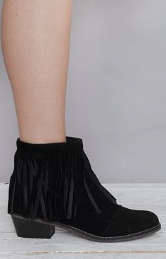 Dorado fringe boots are the perfect boots for everyday wear. They have a small heel inches) so you get a bit of height without the pain. They also come in Brown, Tan and Grey. SIZING: : Full and half sizes from size Man made materials- vegan friendly Fringe Boots, Vegan Friendly, Stylists, Booty, Heels, Model, How To Wear, Shopping, Black