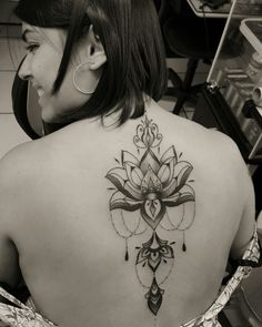 Flor de lotus, lotus, lines, oldbonetattoo, edmar Venâncio.
