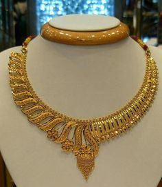 New jewerly collection gold necklace ideas Gold Ring Designs, Gold Bangles Design, Gold Earrings Designs, Necklace Designs, Necklace Ideas, Jewellery Designs, Bridal Necklace, Gold Necklace, Diamond Necklaces