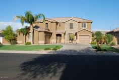 Great curb appeal in Gilbert,AZ