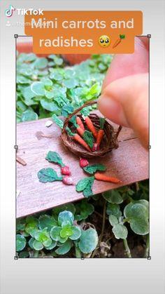 Polymer Clay Dolls, Polymer Clay Crafts, Miniature Food, Miniature Dolls, Fondant Flowers, Miniture Things, Food Videos, Dollhouse Miniatures, Harvest