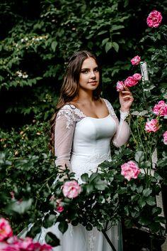 garden wedding dress inspiration | Image by Karina & Maks PHOTOGRAPHY Wedding Dress Topper, Garden Wedding Dresses, Diana, Dressing, Wedding Ideas, Style Inspiration, Bride, Image, Photography