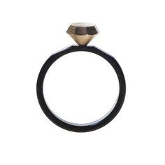 Kaori Tazoe has designed the Small Factory Ring, a versatile ring set, for Yazawa Seisakusho's new 830designlab creative platform.