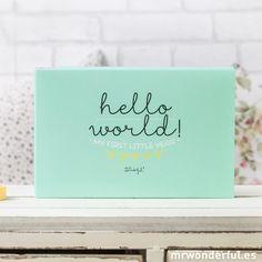 Album pour bébé  - Hello world! My first year (ENG)