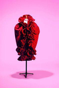Balenciaga, ensemble robe et cape, passage n° 88, printemps-été 1962 © Collection Paalis Galliera. Photo : Spassky Fischer