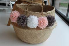 pompom basket thai panier à pompons  pastel