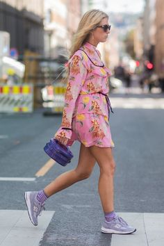 nyc summer outfits floral dress sneakers