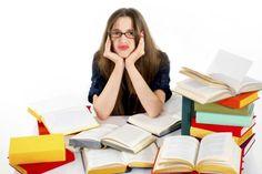 RINCON DEL BIBLIOTECARIO: 6 malas prácticas de estudio que deberías evitar ¿Alguna vez te ha sucedido que preparas un examen durante el tiempo que supuestamente es necesario como para tener claro todo el contenido, y aún así has tenido que dejar partes en blanco al no recordar nada?