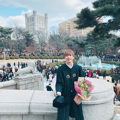 INSEONG graduated from KyungHee University today with a degree in Journalism & Communication Sf 9, Best Kpop, Fnc Entertainment, I Icon, Seong, Celebs, Celebrities, Aesthetic Anime, Journalism