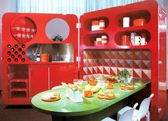 A 1973 modular-dining design for a show sponsored by the fiberglass manufacturer Owens Corning