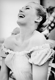 Anita Eckberg in Valerie 1957 Anita Ekberg, Julie Newmar, Ursula Andress, Western Film, Western Movies, Fellini Films, Italian Actress, Pin Up Models, Smiles And Laughs