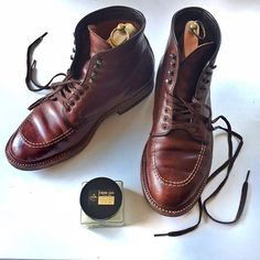 """2017/03/16 21:26:26 tantawaka The abnormal gentleman stylebook 135 Recently shoes' luck was good, Part2! Alden model 504 came to be called indy boots from the hero's wear at the movie """"Indy Jones"""". The main character(Harrison Ford)  of this movie is an archaeologist and a treasure hunter, so I seemed to be a treasure hunter when I found these shoes.  最近「靴運」が良い話のパート2。ご存知の方も多いと思いますがオールデンのブーツ、モデル504は映画『インディ・ジョーンズ』で主人公ハリソン・フォードが履いたことでインディ・ブーツと呼ばれるようになりました。(ハリソン・フォード本人の指定だったとか)…"""