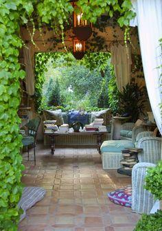 Outdoor Space / Backyard Jungle