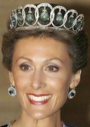 Queen Victoria Eugenie of Spain's Aquamarine Parure Tiara Royal Crown Jewels, Royal Crowns, Royal Tiaras, Royal Jewelry, Tiaras And Crowns, Spanish Royalty, Queens Jewels, Royal Brides, Circlet