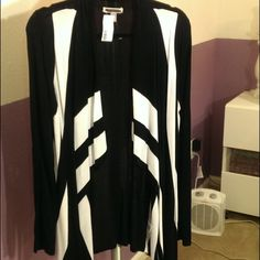 SALE: Black & White Open Cardigan Black & white draped cardigan. Lightweight and easy to layer. Never worn! Easy to dress up or down. Sweaters Cardigans