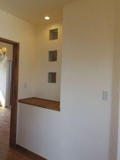 飾り棚 明かりとり ガラスブロック … Stained Glass, House Design, New Homes, Decor, Furniture, Glass, Home, Home Decor