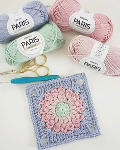 Caption this 😊 would you like to buy crochet shirts❓shop via link in bio ➡️ by 📷 ilovecrochet… Granny Square Crochet Pattern, Crochet Flower Patterns, Crochet Stitches Patterns, Crochet Squares, Crochet Motif, Diy Crochet, Crochet Flowers, Granny Squares, Crochet Granny