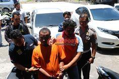 Ngutil di Warung Kopi, si Boy Ditangkap Polisi - http://denpostnews.com/2016/10/11/ngutil-di-warung-kopi-si-boy-ditangkap-polisi/