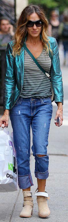 Sarah Jessica Parker: Jeans – Paige  Shoes – Plumo