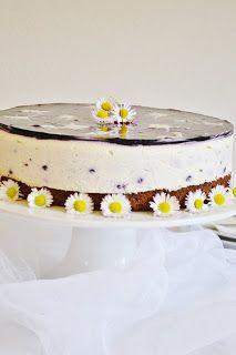 Jednoducha na pripravu , chutovo vyborna a myslim, ze vizualne efektna torta, ktora by mohla byt aj v kategorii nepecene. U...
