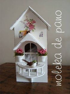 Make Your Own Milk Carton Birdhouse Village Birdhouse Craft, Birdhouse Designs, Decoupage Vintage, Castle Crafts, Diy And Crafts, Paper Crafts, Diy Y Manualidades, Recycled Art, Bird Houses