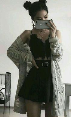 casual date night outfits - Casual Outfit Grunge Style Outfits, Mode Outfits, Grunge Fashion, Look Fashion, Girl Outfits, Fashion Outfits, Fashion Edgy, Hipster Outfits, Grunge Dress